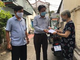 Người Bán Vé Số Dạo Tại TP.Hồ Chí Minh Có Thêm Tin Vui